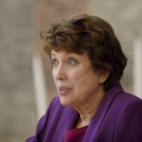 «80 000 morts du coronavirus»: Roselyne Bachelot répond fermement à Pierre Niney