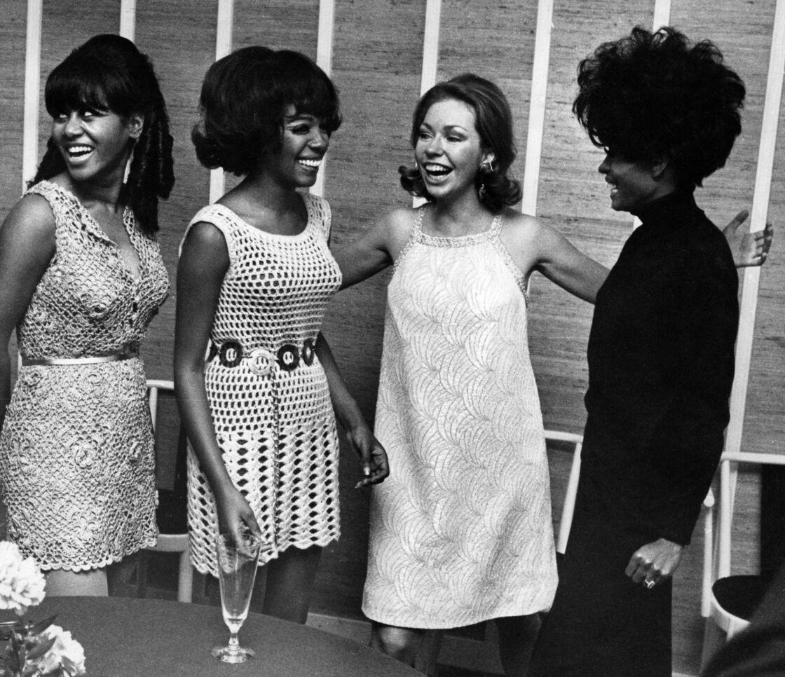 Le groupe The Supreme avec la princesse Christina de Suède en 1968.