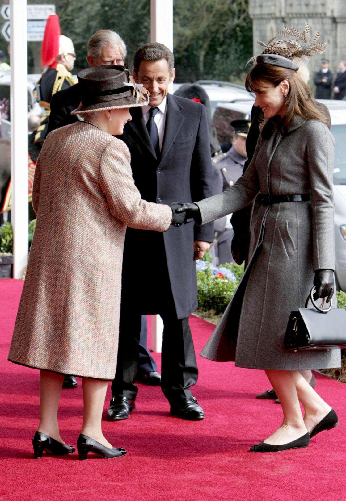 Carla Bruni-Sarkozy, Sa Majesté Elizabeth II et Nicolas Sarkozy à Londres le 26 mars 2008