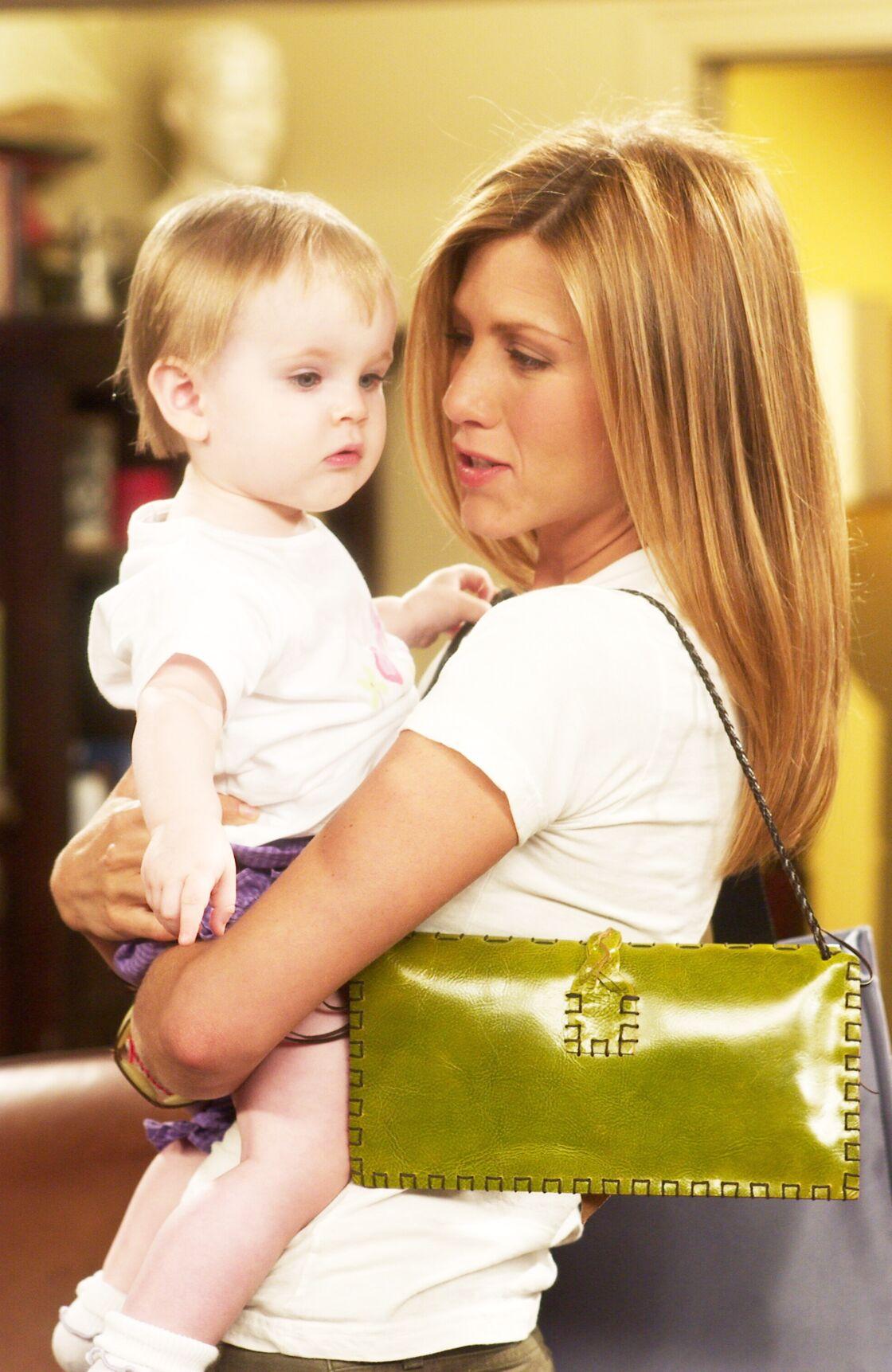 En cuir ou en lin, le sac baguette est l'accessoire favori de Rachel Green et toujours aussi tendances, en 2021.