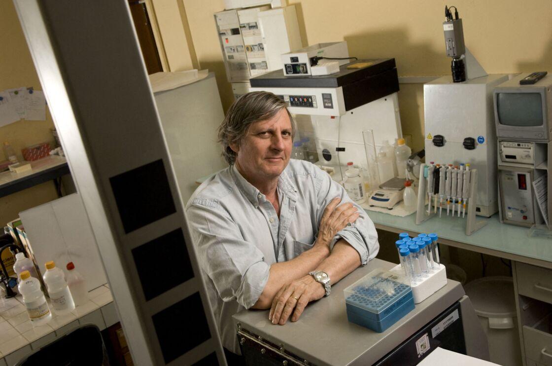 Didier Raoult professeur a la faculté de médecine de la Timone à Marseille (13), chercheur biologiste spécialisé dans les maladies infectieuses en 2008)