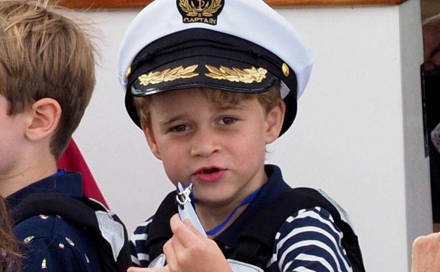 Le prince George, lors d'une sortie en mer en août 2019.