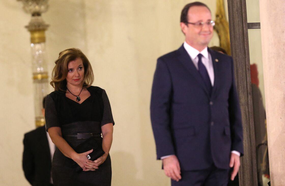 Valerie Trierweiler et Francois Hollande à Paris, quelques mois avant le