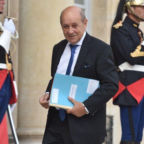 «Une trahison pour un poste»: Jean-Yves Le Drian sévèrement critiqué dans son fief