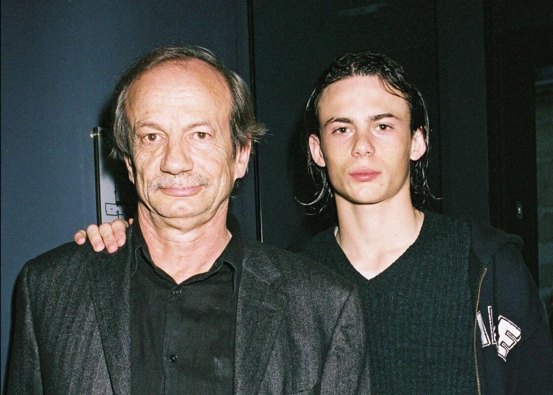 Patrick Chesnais et son fils Ferdinand lors d'un événement à Paris le 26 avril 2004.