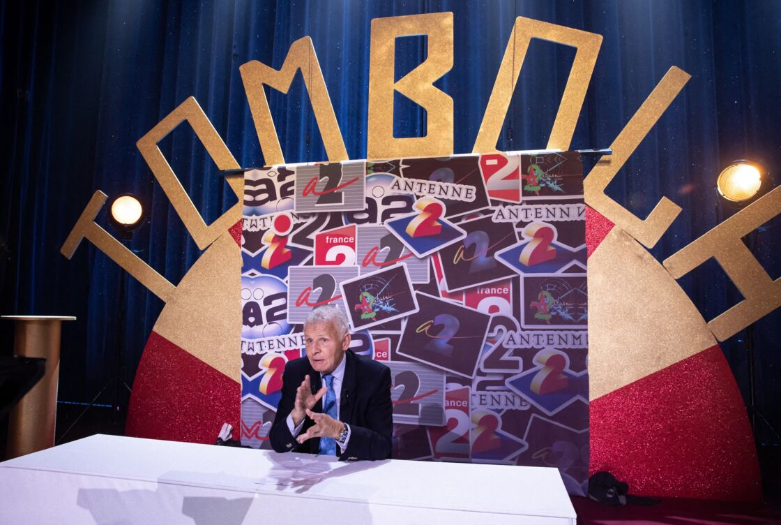 Patrick Poivre d'Arvor, le 6 février 2021, à la vente aux enchères au profit du Secours Populaire, diffusée sur France 2
