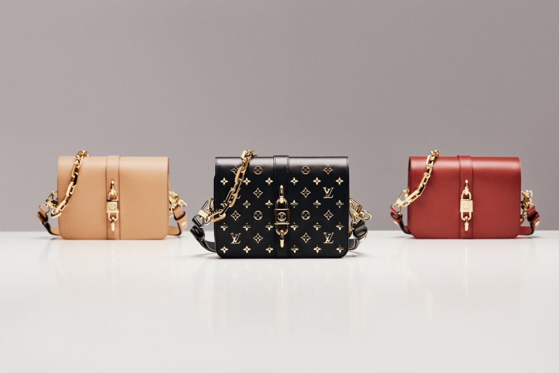 Le sac Rendez-Vous, décliné en noir, camel et rouge brillant, dans des matières luxueuses.