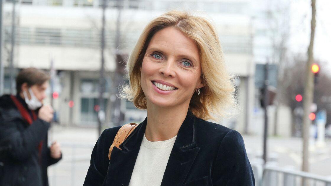 Sylvie Tellier quitte les studios de RMC à Paris le 11 janvier 2021.