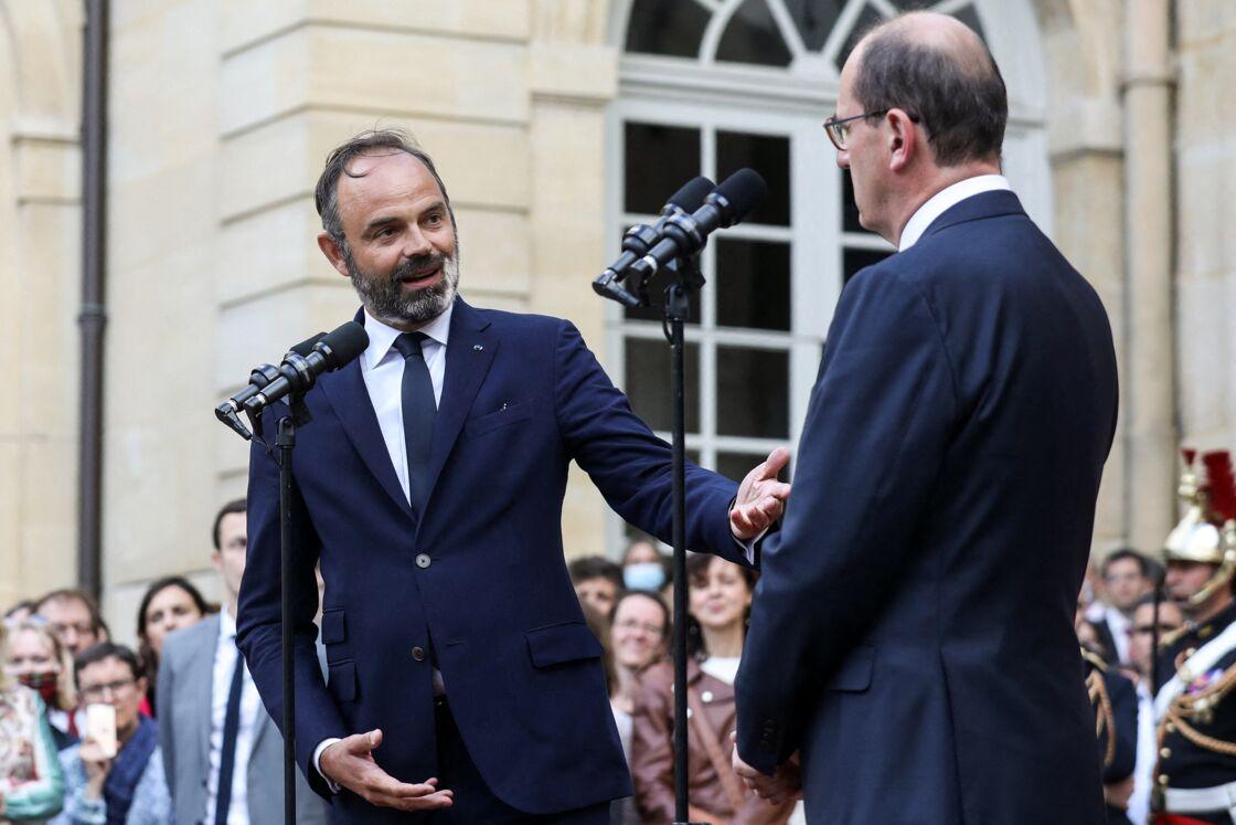 Édouard Philippe et Jean Castex lors de la passation de pouvoir le 4 juillet 2020 à Matignon