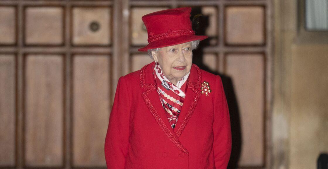 La reine Elisabeth II d'Angleterre - La famille royale se réunit devant le chateau de Windsor pour remercier les membres de l'Armée du Salut et tous les bénévoles qui apportent leur soutien pendant l'épidémie de coronavirus (COVID-19) et à Noël le 8 décembre 2020.
