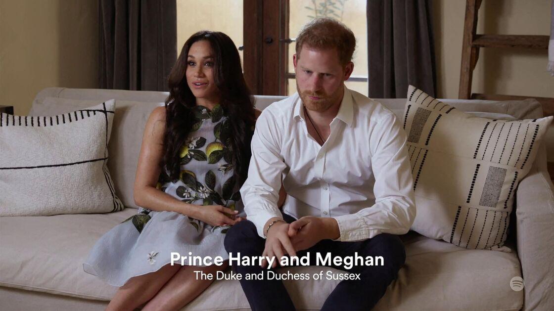 Le prince Harry et Meghan Markle (Robe Oscar de la Renta), duc et duchesse de Sussex, font leur première apparition en podcast sur Spotify depuis l'annonce de la deuxième grossesse de Meghan le 22 février 2021.