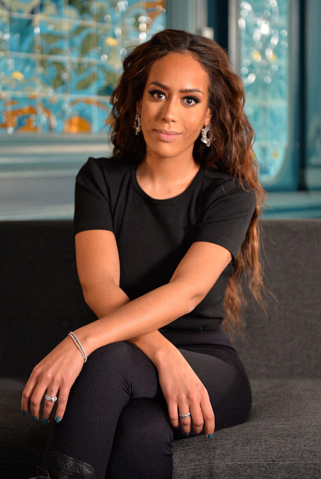 Amel Bent et sa cascade de cheveux dégradés