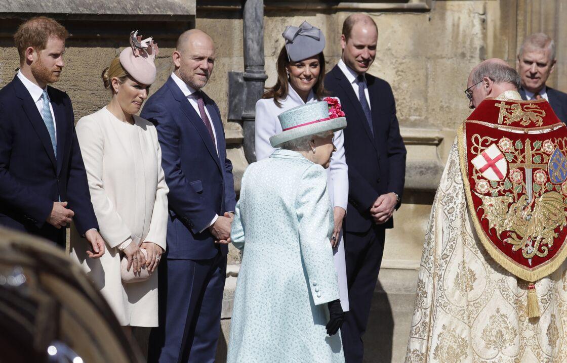 Le prince Harry avec Kate Middleton et le prince William et la reine Elizabeth II à la messe de Pâques le 21 avril 2019