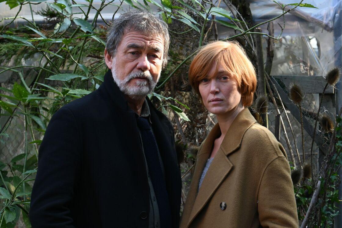 Olivier Marchal au côté de sa partenaire de jeu Erika Sainte dans la série télévisée