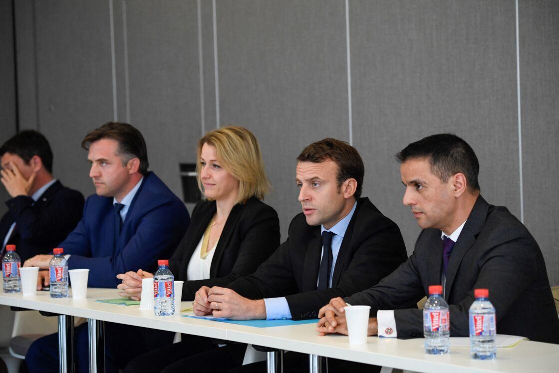 Emmanuel Macron et Barbara Pompili avaient rencontré ensemble les délégués syndicaux de Whirlpool à la chambre du commerce et de l'industrie, à Amiens, le 26 avril 2017.