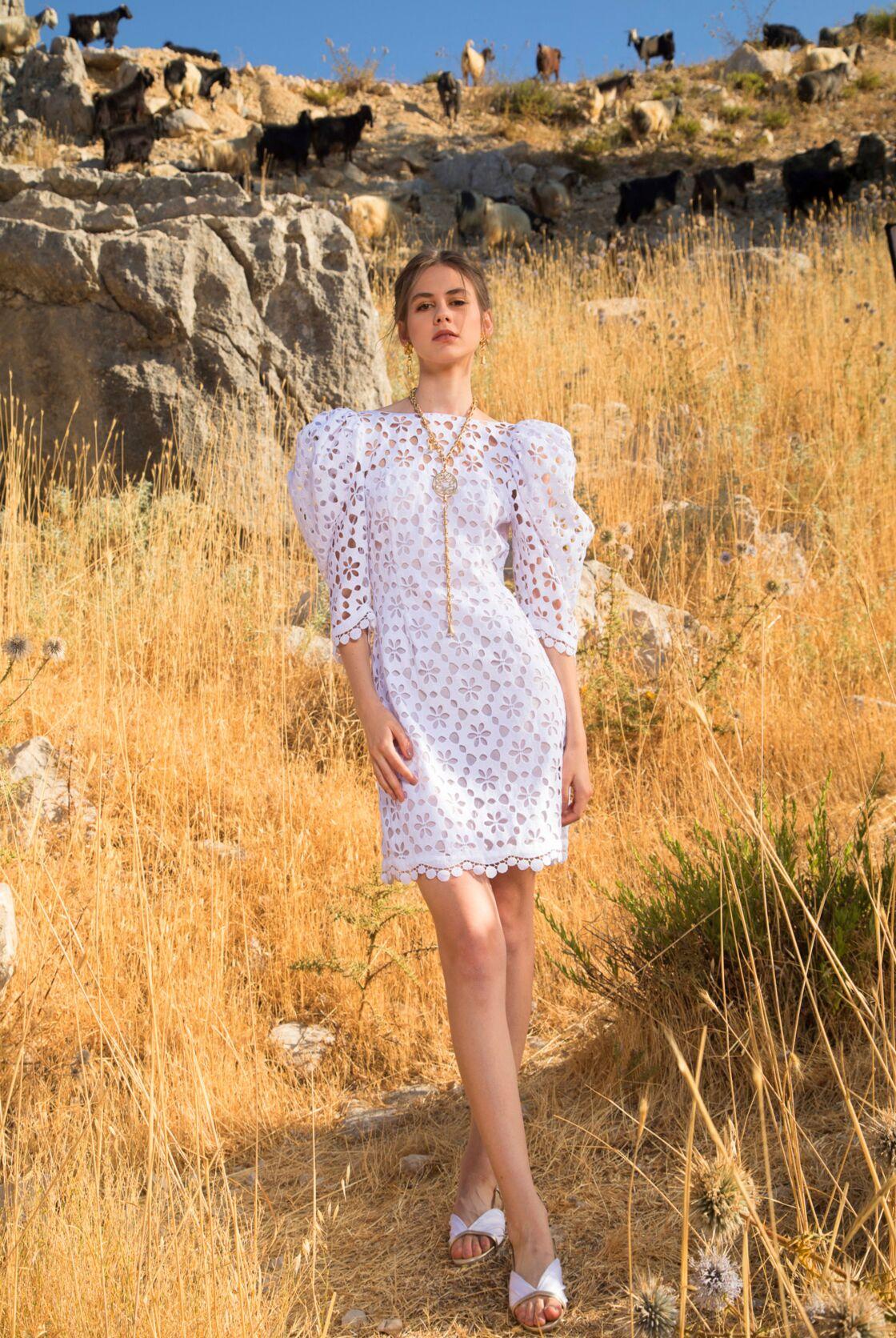 La robe à manches ballons du défilé Elie Saab pour ce printemps/été 2021