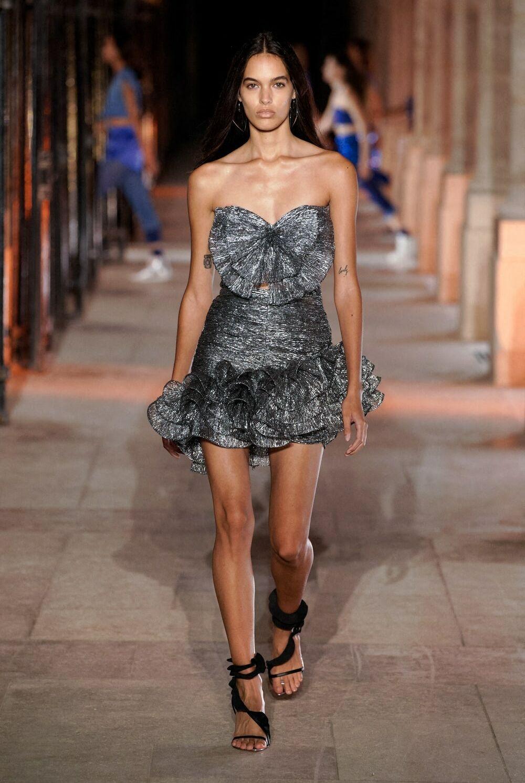 La robe lamée argentée signée Isabel Marant pour ce printemps/été 2021