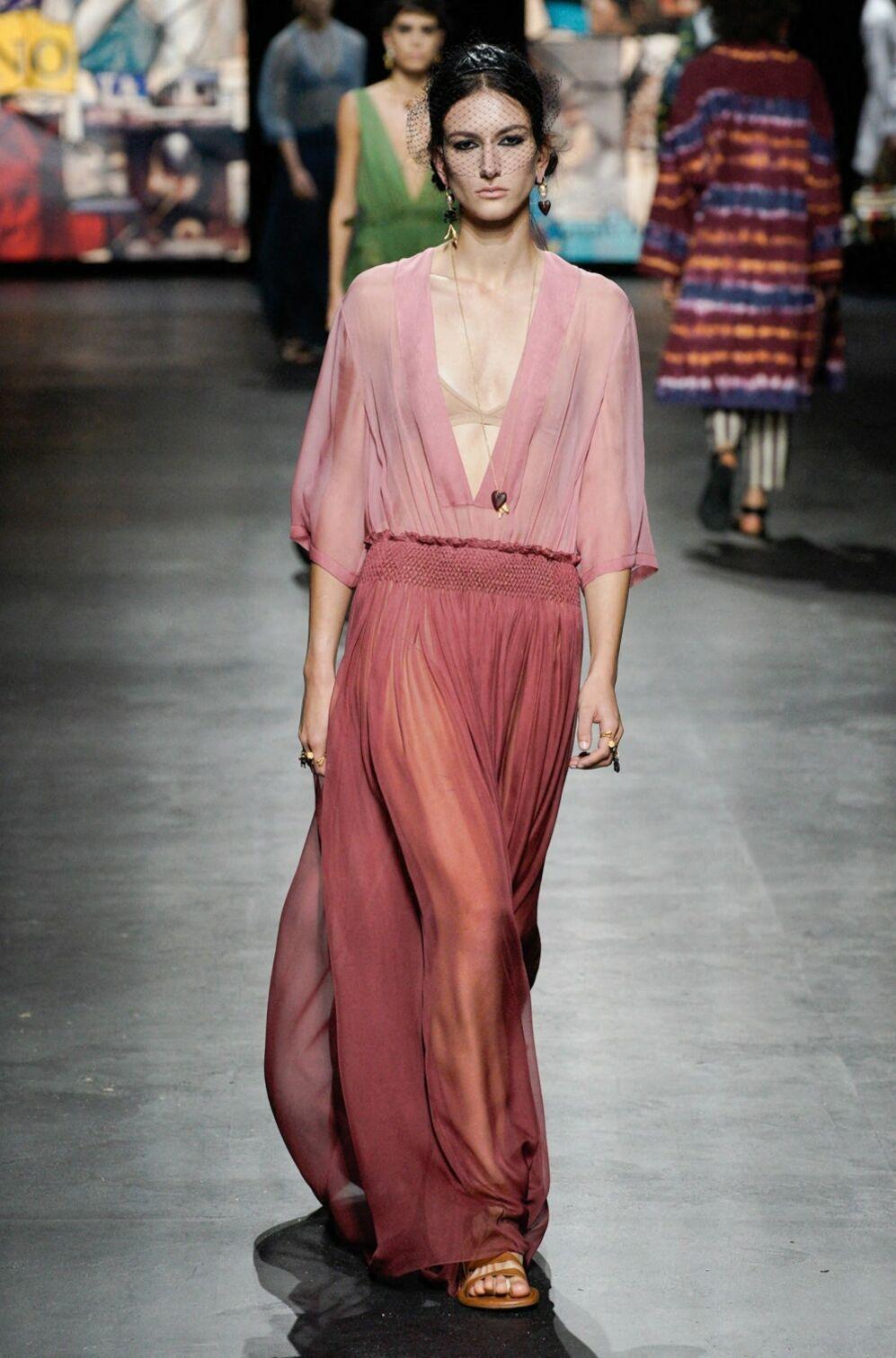 Deux nuances de rose chez Dior printemps/été 2021