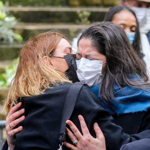 PHOTOS – Obsèques de Patrick Dupond: sa compagne Leïla Da Rocha soutenue par l'équipe de DALS