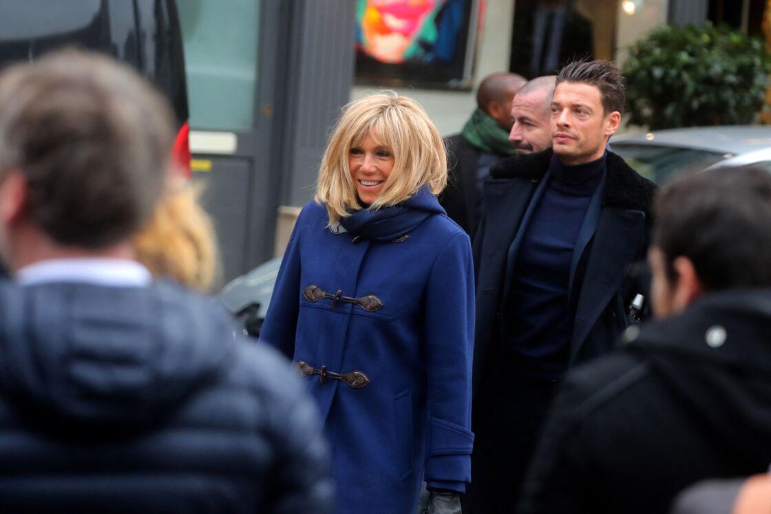 Brigitte Macron et le lieutenant Fabien à Honfleur en novembre 2019