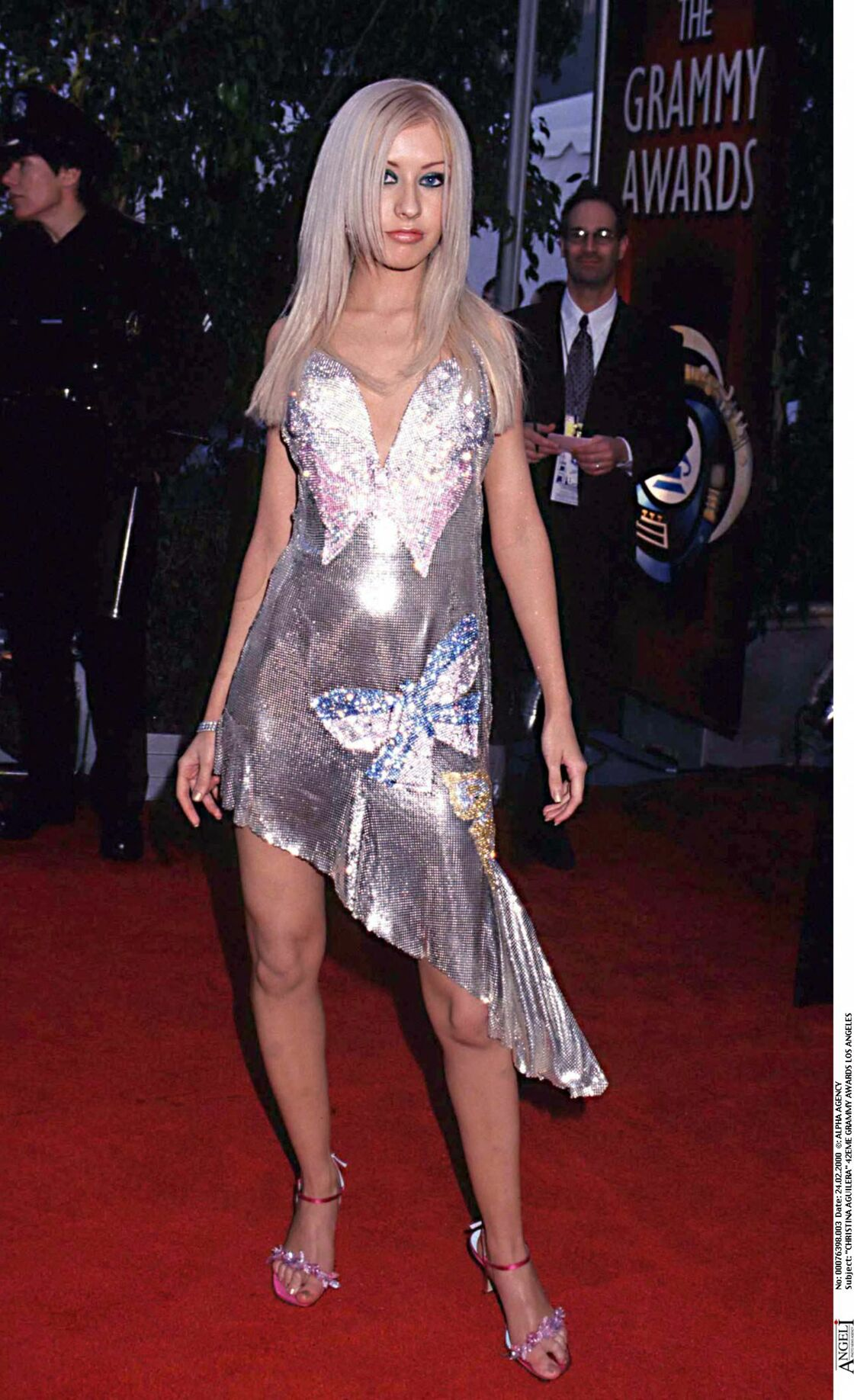 Christina Aguilera aux Grammy Awards 2000 en robe papillon
