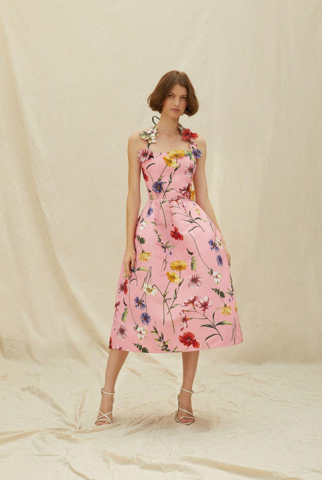 La robe rose à fleurs d'Oscar de la Renta