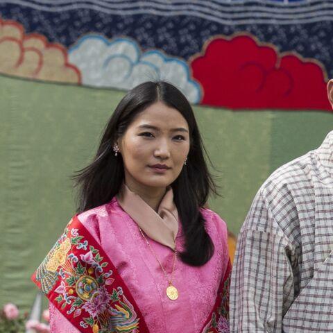PHOTO – Le roi et la reine du Bhoutan si fiers de leur fils cadet qui fête son 1er anniversaire