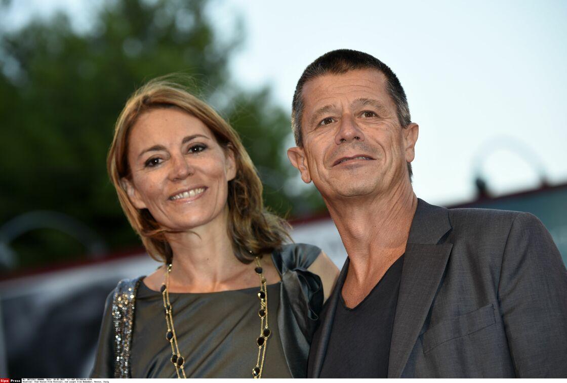 Hélène Devynck (ci-dessus avec Emmanuel Carrere en 2015) a aussi témoigné contre Patrick Poivre d'Arvor