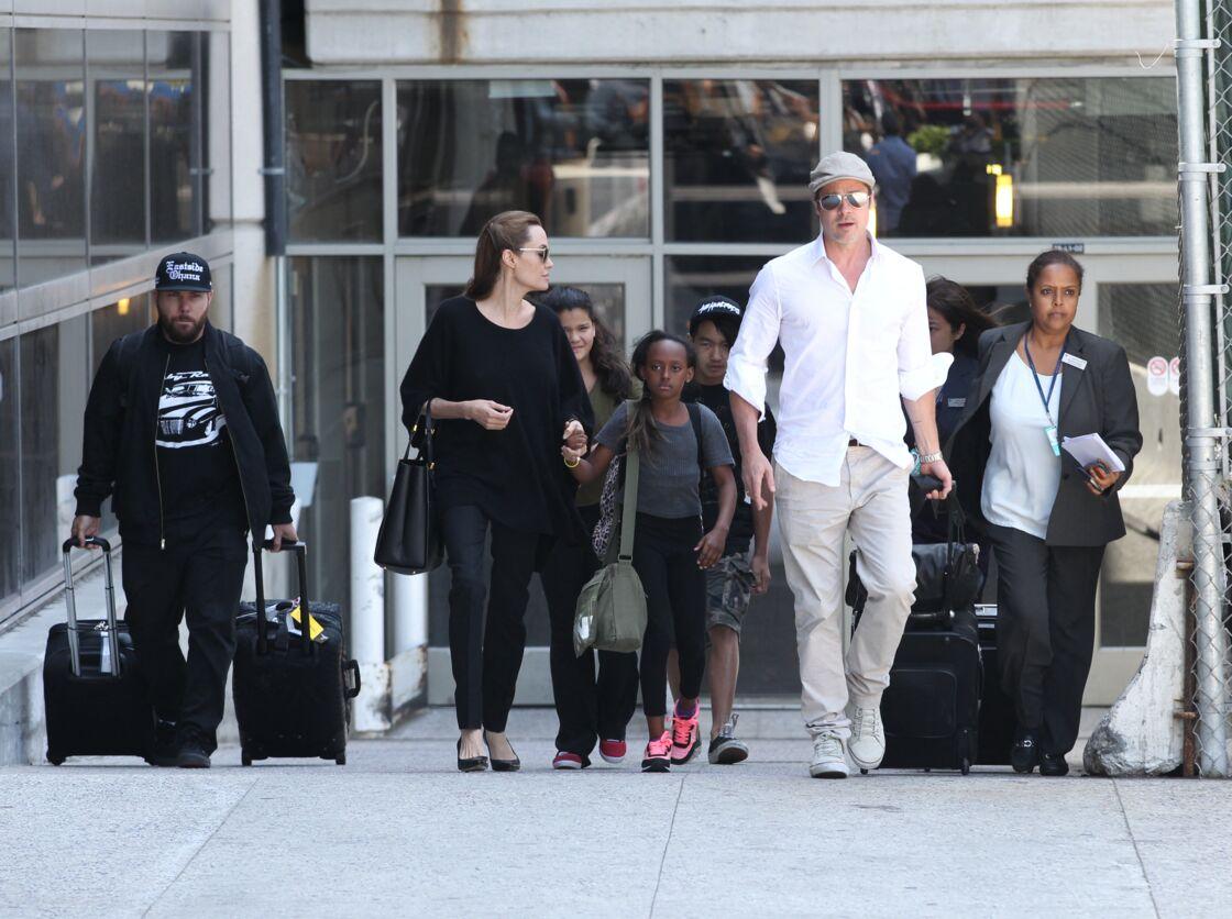 Angelina Jolie avec Brad Pitt et leurs enfants