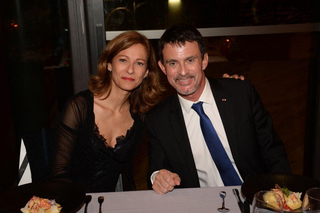 Au printemps 2018, c'est dans la presse qu'Anne Gravoin, qui partage la vie de Manuel Valls depuis douze ans, apprend sa liaison avec la députée Olivia Grégoire