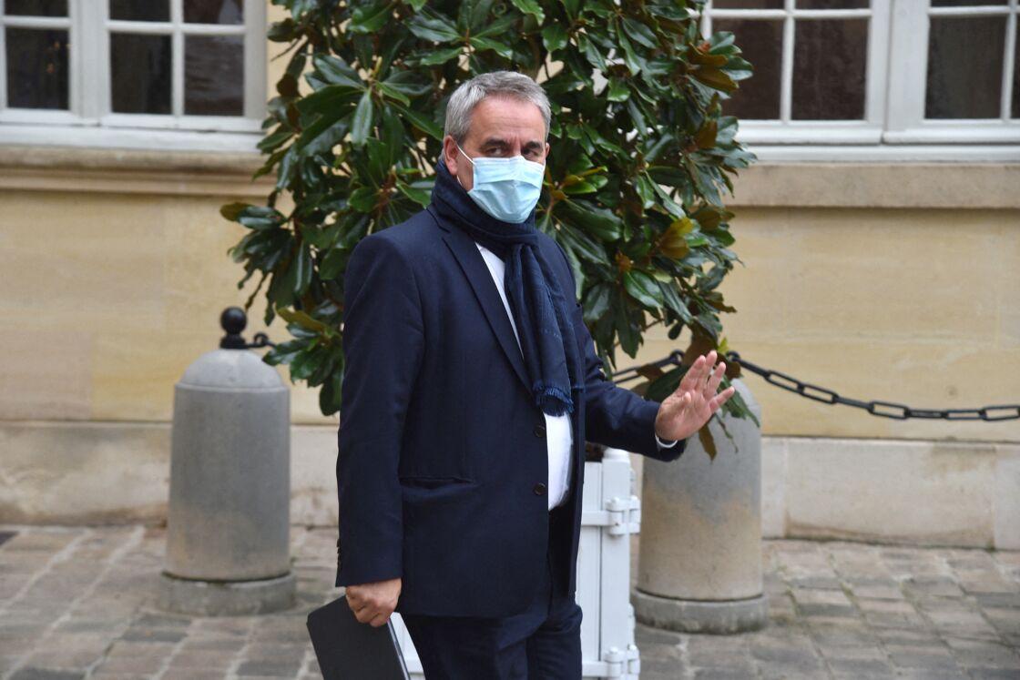 Xavier Bertrand, Président du conseil régional des Hauts-de-France - Signature du partenariat avec les Régions de France à l'Hôtel de Matignon à Paris le 28 septembre 2020.