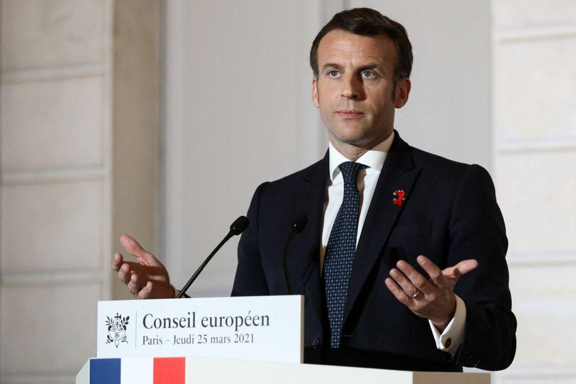 Emmanuel Macron lors du point presse au palais de l'Elysée à Paris, le 25 mars 2021