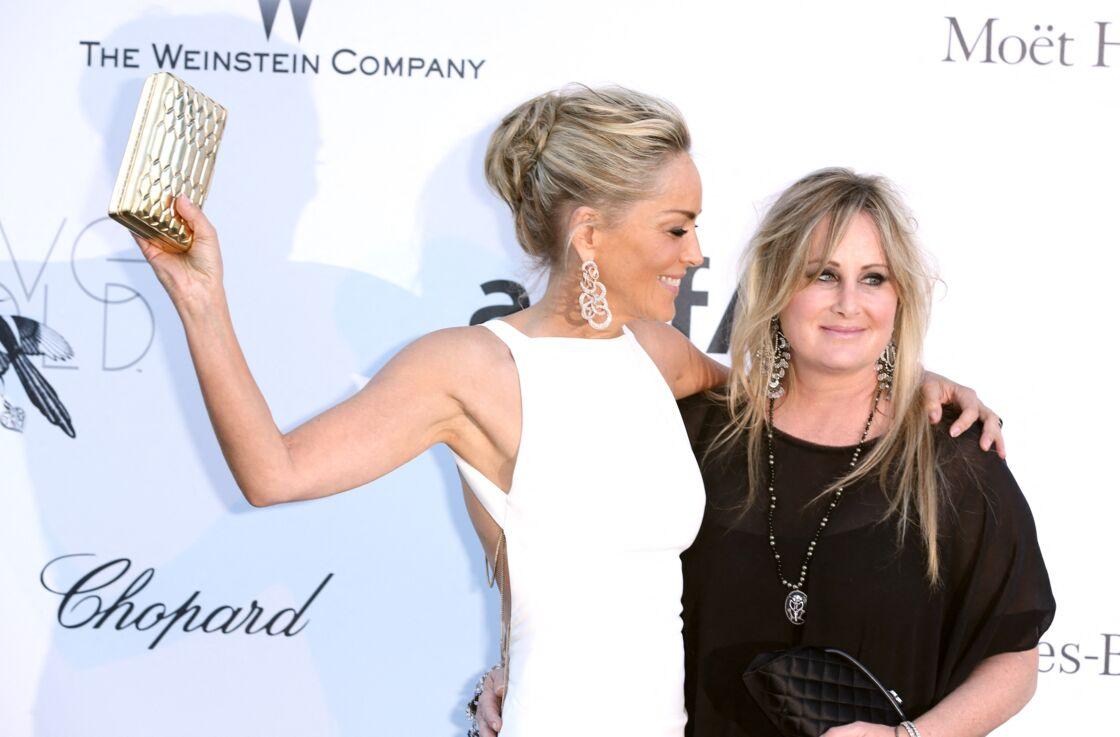 Sharon Stone aux côtés de sa soeur Kelly en 2013