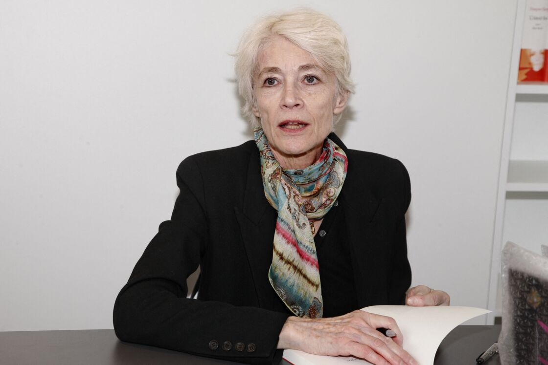 Francoise Hardy - 33eme edition du Salon du Livre a la porte de Versailles a Paris, le 23 mars 2013