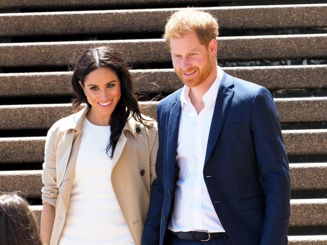 Meghan Markle et Harry, autrefois adulés, se sont attirés les foudres des Britanniques suite à leurs déclarations sur la famille royale