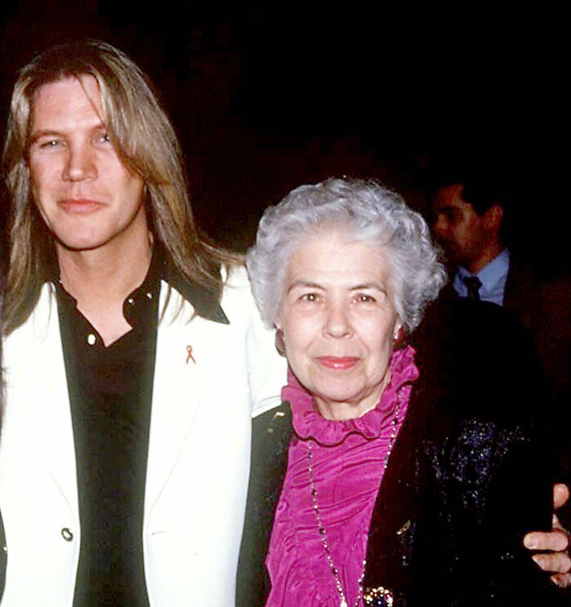 Patrick Juvet aux côtés de sa mère, Janine, en 1994.