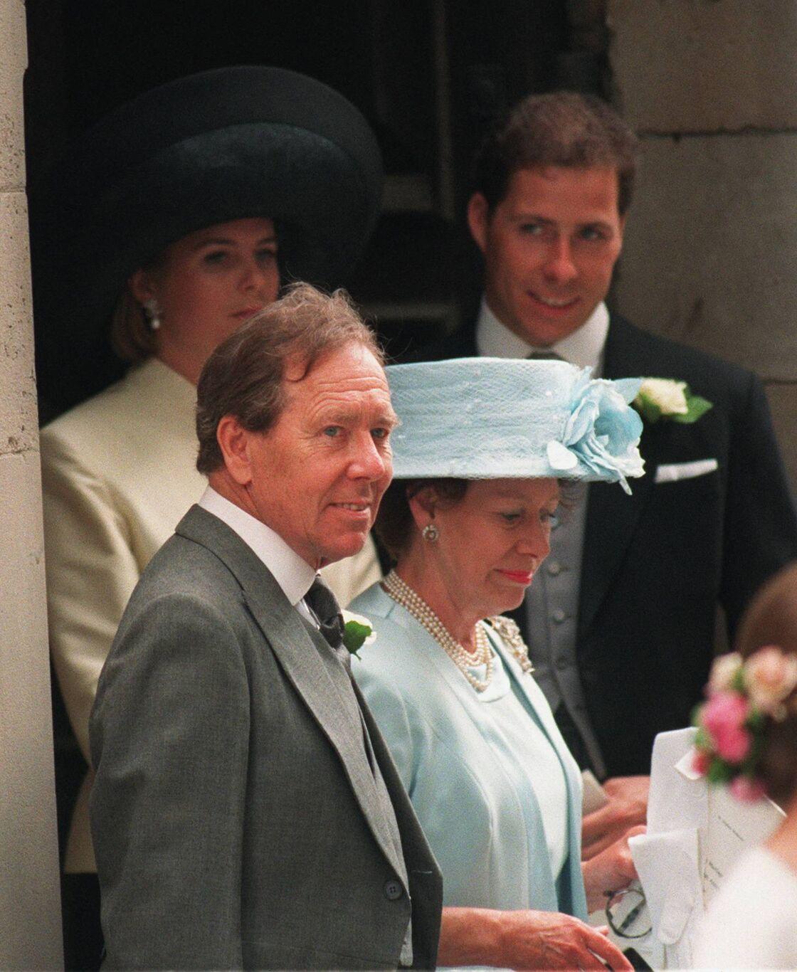 L'ancien couple, Antony Armstrong-Jones et la princesse Margaret, se retrouvés en 1994 pour célébrer le mariage de leur fille, Sarah.