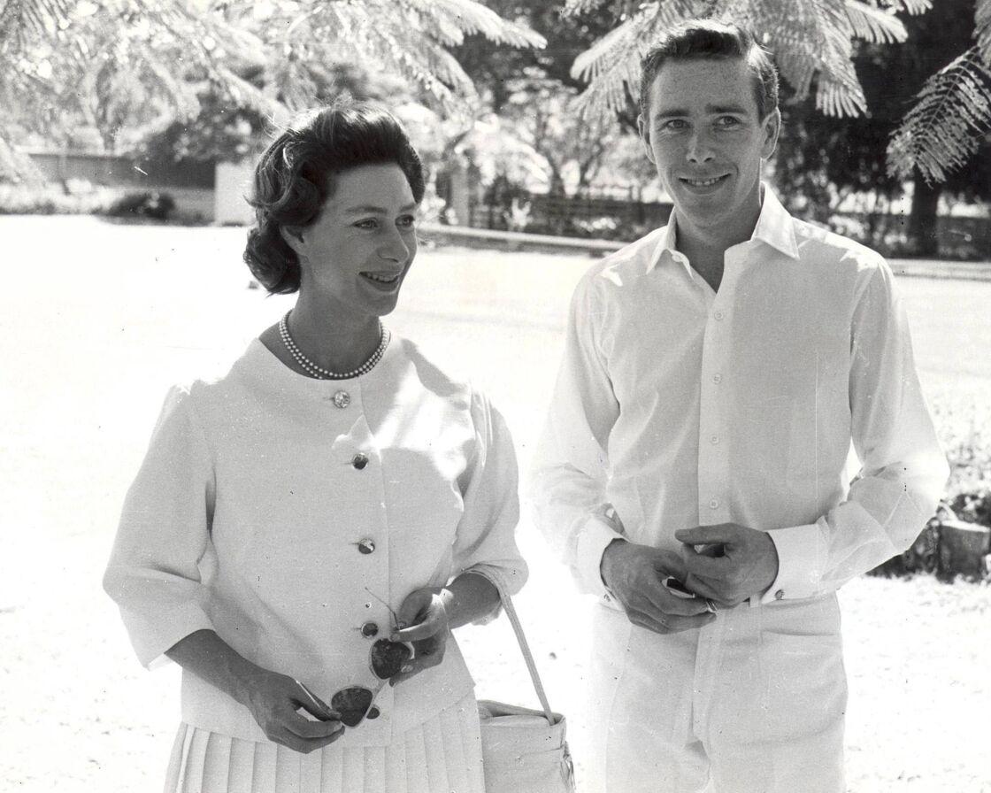La princesse Margaret et Antony Armstrong-Jones, en 1962, lors de leurs vacances sur l'île d'Antigua, dans les Caraïbes.