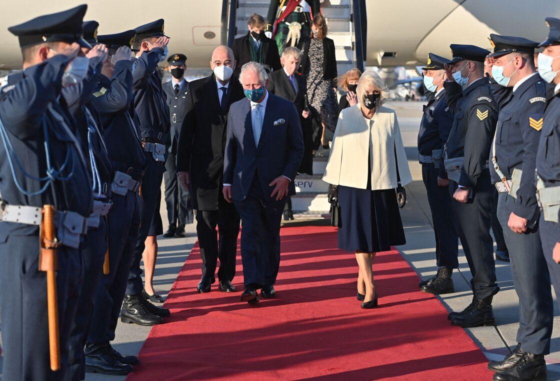 Le prince Charles et Camilla Parker Bowles arrivent à Athènes pour une visite officielle de deux jours dans le cadre du bicentenaire de l'indépendance de la Grèce, le 24 mars 2021.