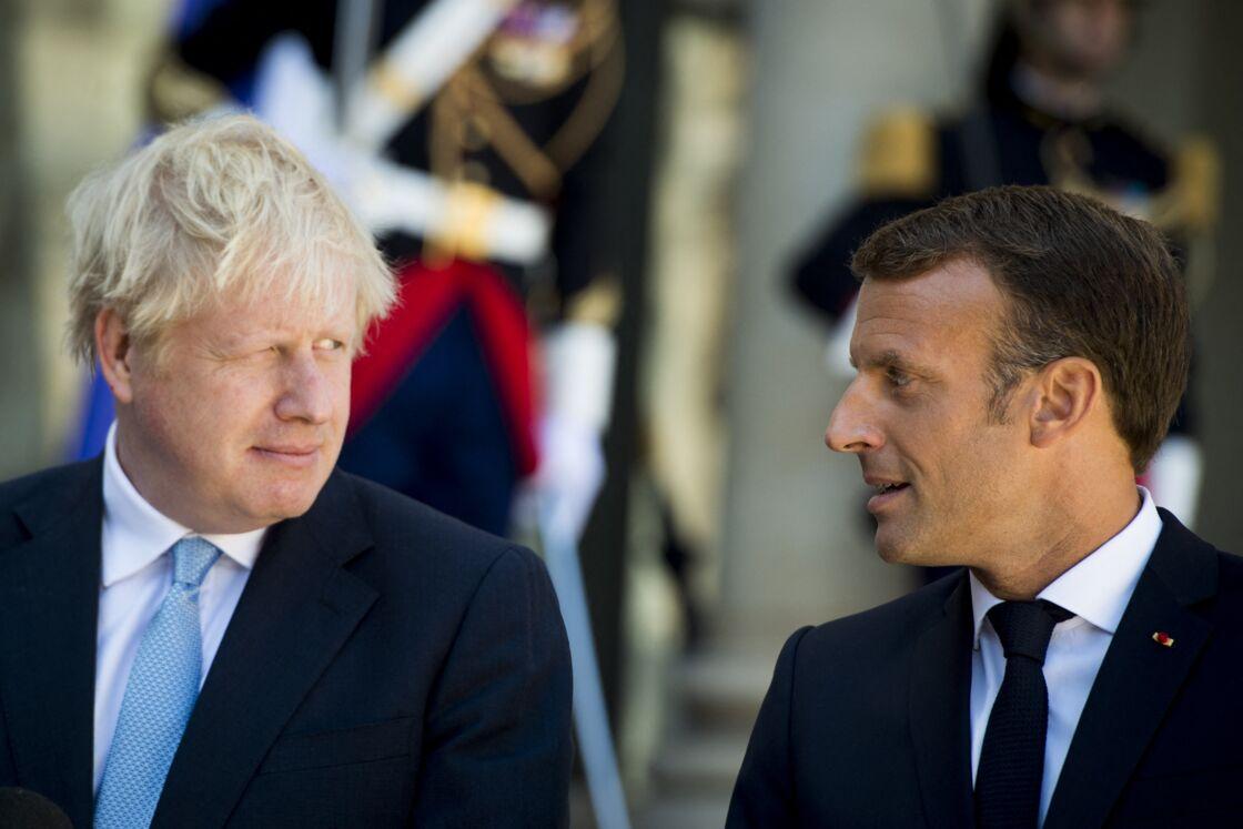 Le président Emmanuel Macron reçoit le premier ministre Boris Johnson au palais de l'Elysée à Paris le 22 août 2019
