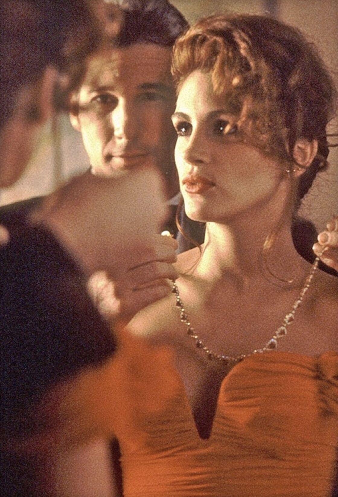 Inoubliable sur Julia Roberts, ce collier en rubis avait été prêté de gré à gré à la production pour compléter la tenue d'opéra de Pretty Woman.