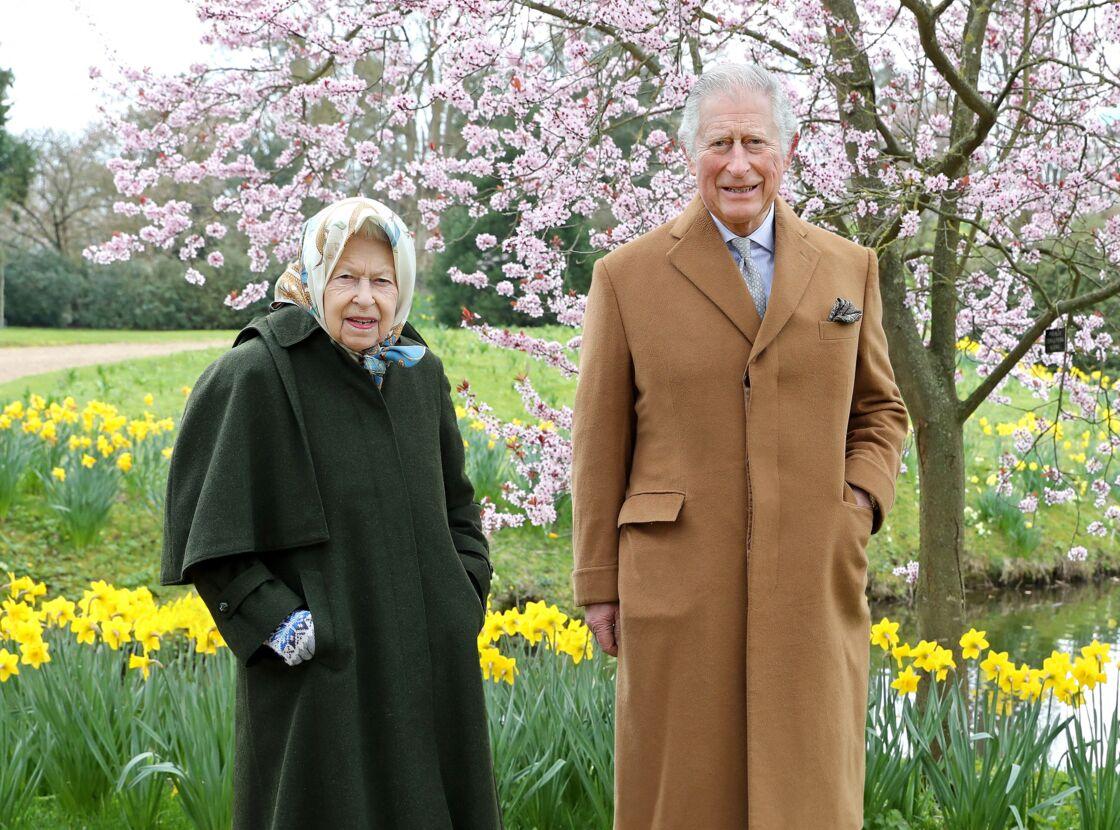 Sa Majesté Elizabeth II et le prince Charles à Frogmore House le 2 avril 2021