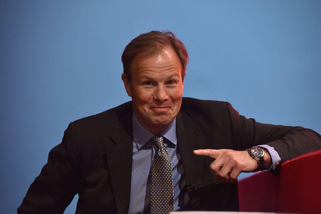 Tom Bradby, lors d'une conférence de presse.