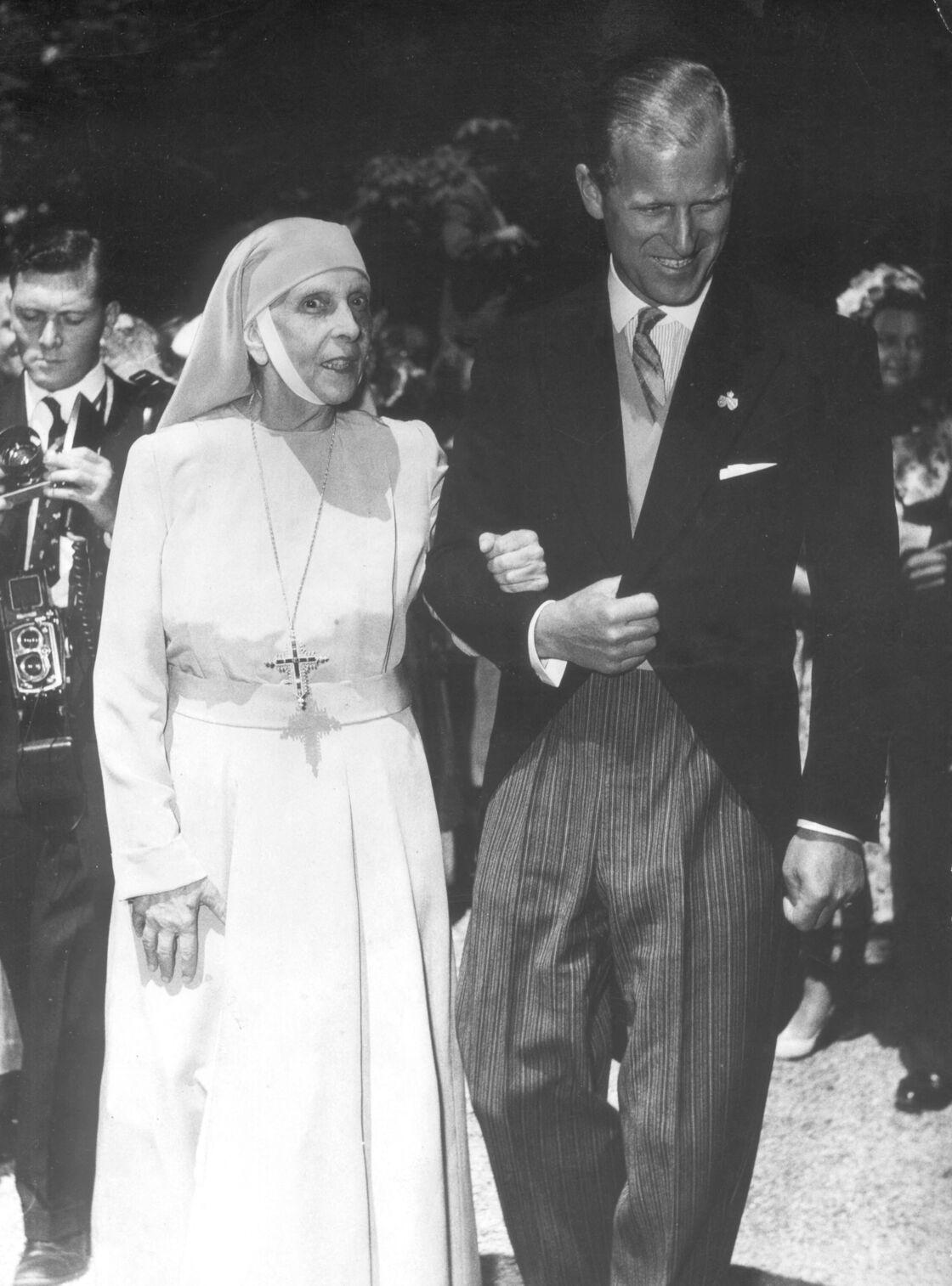 Le prince Philip et sa mère, Alice de Battenberg, fervente religieuse jusqu'au bout de sa vie.