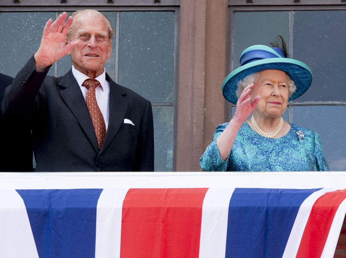 Le prince Philip, duc d'Edimbourg et la reine Elisabeth II d'Angleterre - Le couple royal d'Angleterre et le président allemand au balcon de la mairie de Francfort, le 25 juin 2015, dans le cadre de leur visite officielle en Allemagne.