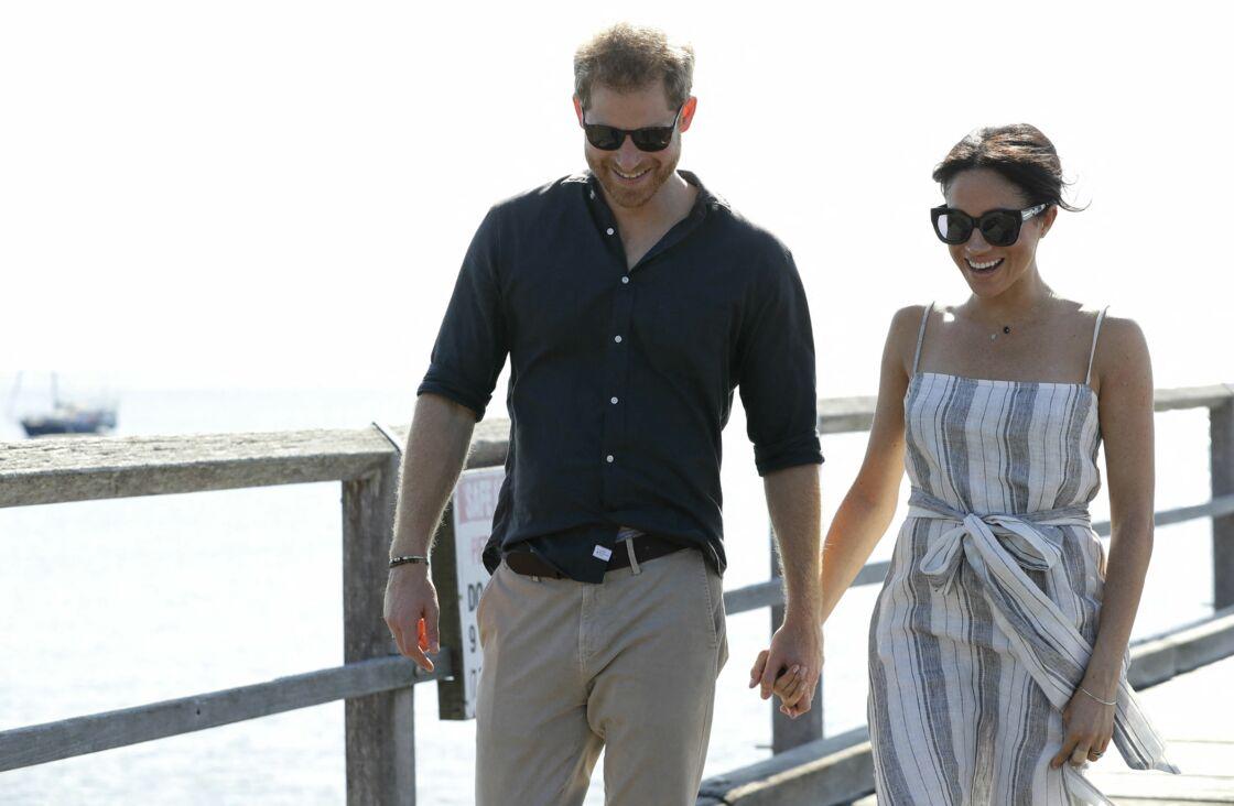 Le prince Harry, duc de Sussex, et Meghan Markle, duchesse de Sussex (enceinte) arrivent baie Kingfisher, sur l'île Fraser, en Australie, le 22 octobre 2018.