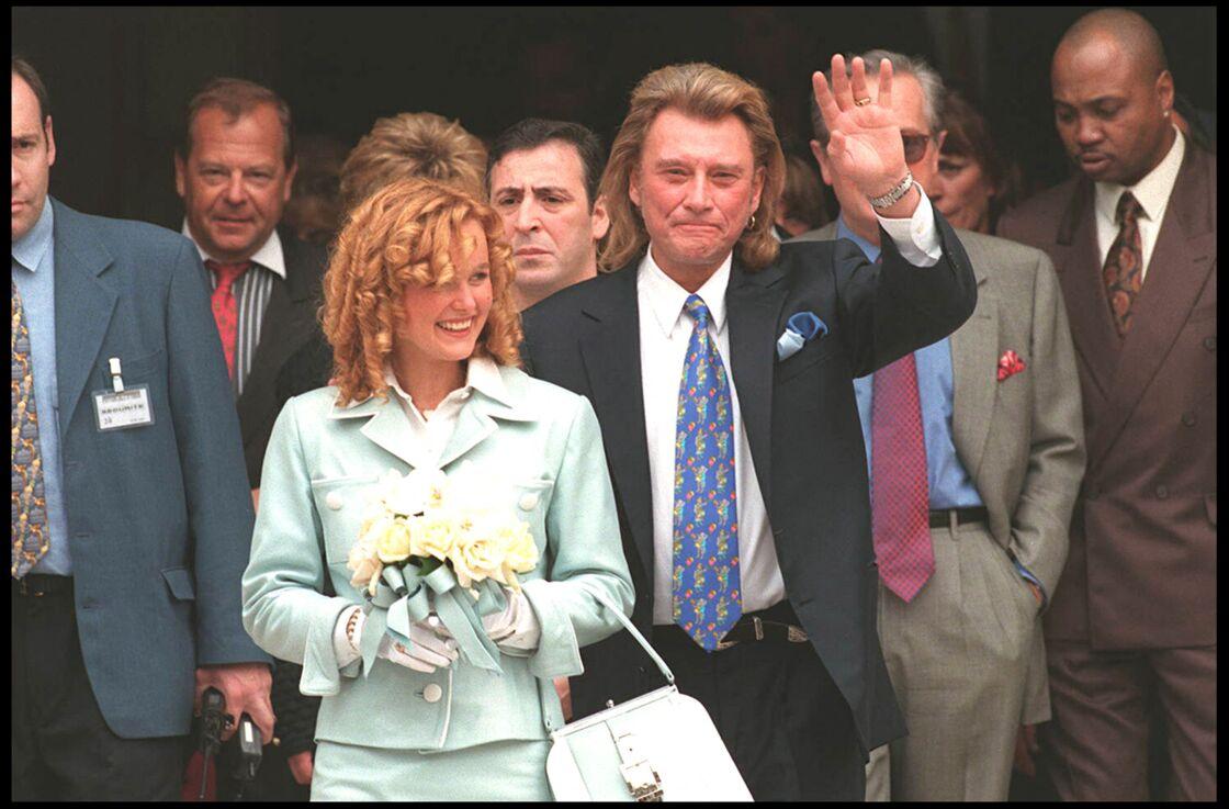 Le 25 mars 1996, Johnny Hallyday épousait la jeune Laeticia Boudou, 20 ans