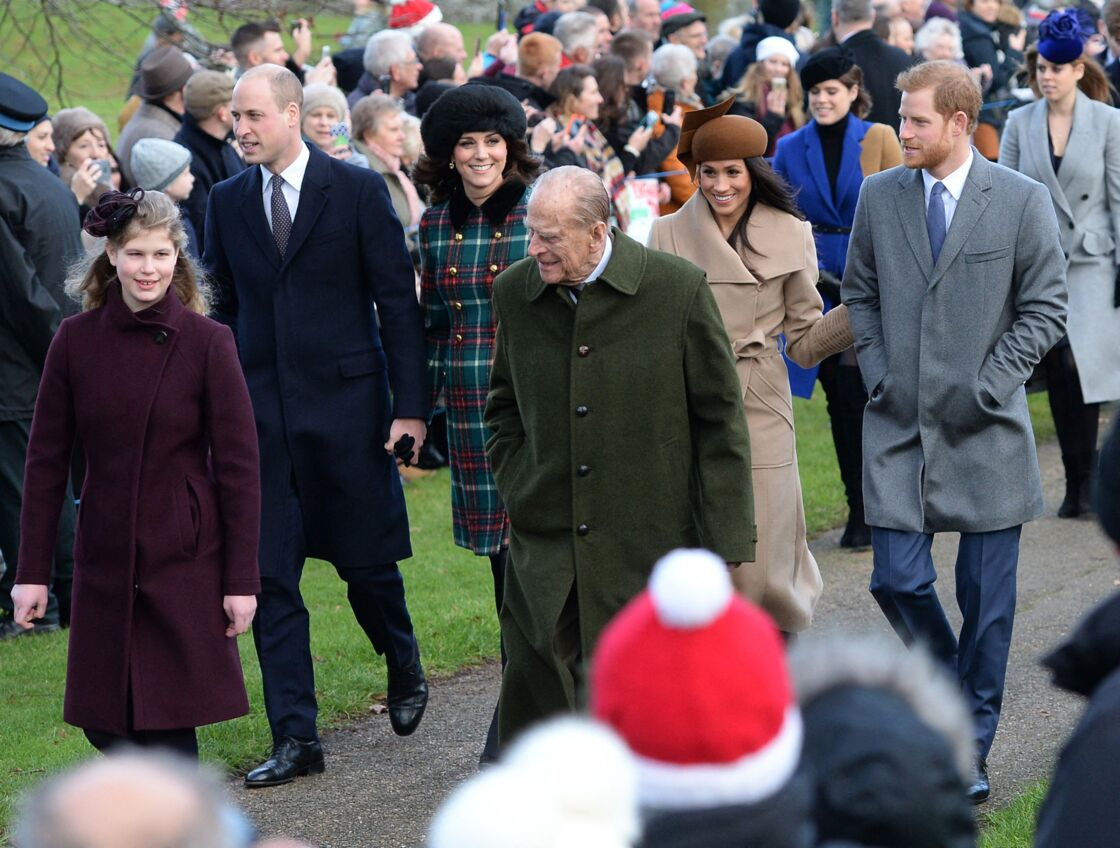 Le prince Philip, Lady Louise Windsor, le prince William et Kate Middleton, Meghan Markle et le prince Harry à l'église St Mary Magdalene Church, à Sandringham, en avril 2021.