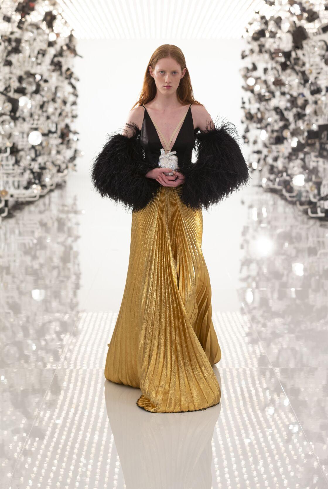 Hommage à l'âge d'or hollywoodien au défilé Aria Gucci