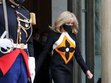 PHOTOS - Brigitte Macron : nouveau sans faute avec une robe Louis Vuitton graphique
